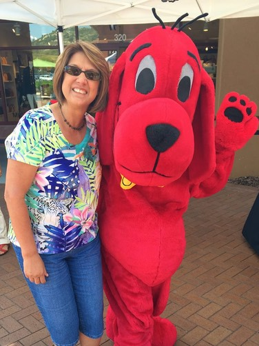 #clifford #big #red #dog #snappyfacepainting