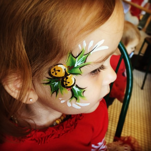 #christmas #facepaint #corporate #events #entertainment #snappyfacepainting #holly