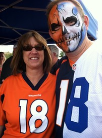 #denverbroncos #tailgating #tailgate #face #paint #corporate #events #snappyfacepainting